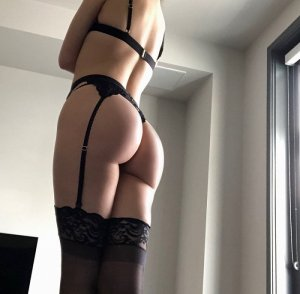 Meline escort girl