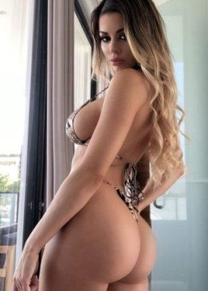 Djehina sex party in Coto de Caza & escort girls