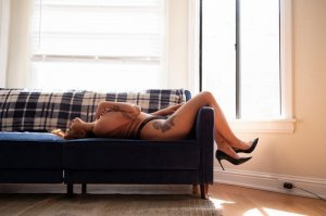 Kimberlee independent escorts in Edgewood